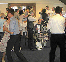 danseinstruktion harmonika banjo violin spillemandsmusik høstfest