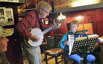 Banjo-harmonika violin sømandssange gårdsange spillemandsmusik spillemandsmusik  baggrundsmusik sølv- guldbryllup kulturarv høstfest julemusik