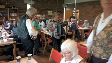 Bryllup harmonika banjo violin sømandssange gårdsange spillemandsmusik  baggrundsmusik sølv- guldbryllup kulturarv høstfest julemusik